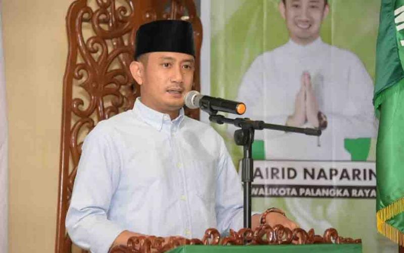 Wali Kota Palangka Raya, Fairid Nafarin memberikan sambutan pada konfercab PC NU, Minggu, 26 Januari 2020.