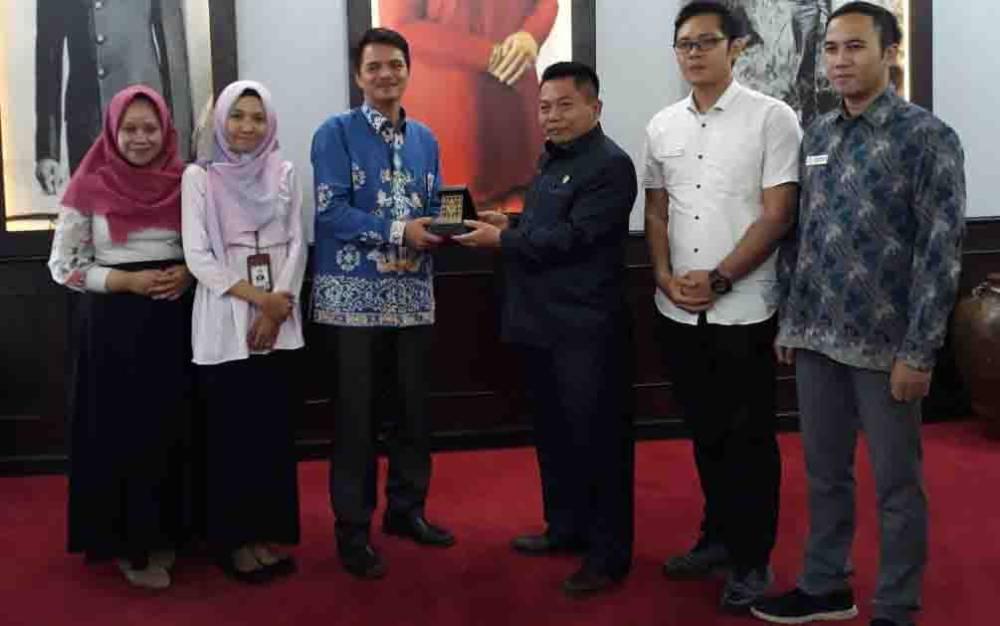 Tim Ombudsman RI Perwakilan Kalteng bersilaturahmi dengan Ketua DPRD Kalteng, Wiyatno, beberapa waktu lalu.