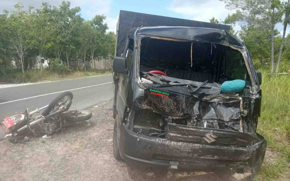 Kecelakaan maut antara pikap dan sepeda motor di Kapuas.