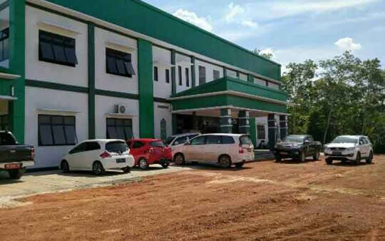Rumah Sakit Pratama di Desa Pundu, Kecamatan Cempaga Hulu. Sementara itu, di Kecamatan Mentaya Hilir Selatan diharapkan segera dioperasionalkan.