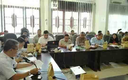 Rapat persoalan PT HMBP 2 dengan kelompok warga di Setda Kotim, Rabu, 29 Januari 2020.