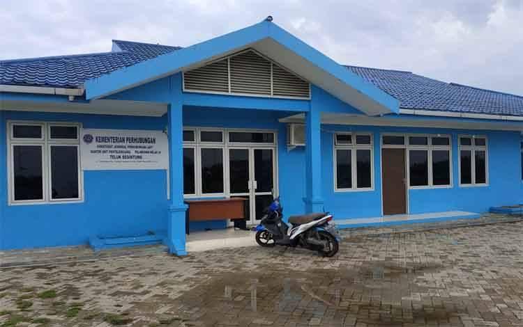 Fasilitas Kantor Unit Penyelenggara Pelabuhan di Pelabuhan Teluk  Segintung