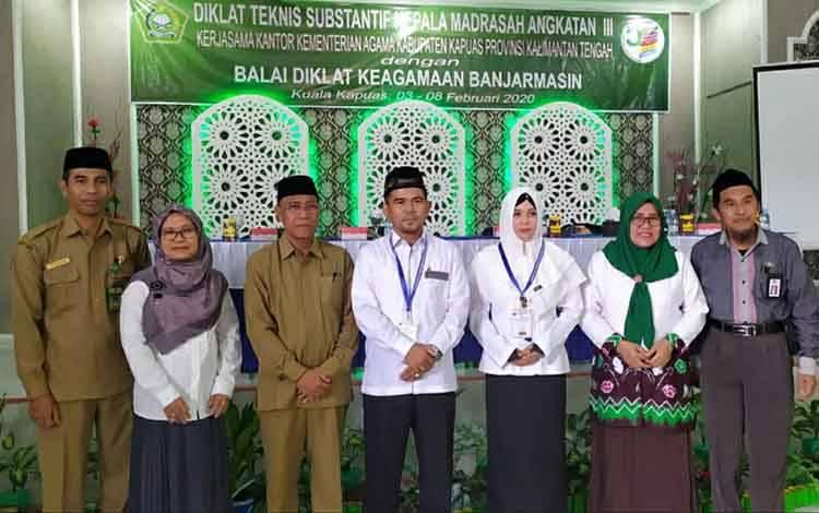 Kepala Kemenag Kapuas Ahmad Bahruni hadiri pembukaan diklat teknis substantif kepala madrasah, Senin 3 Februari 2020