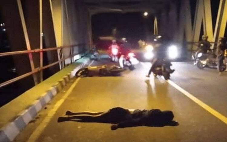 Korban kecelakaan lalulintas tunggal di Jembatan Sei Katingan, Kasongan Kecamatan Katingan Hilir.