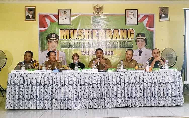 Bupati Pulang Pisau menghadiri Musrenbang Kecamatan Kahayan Hilir.