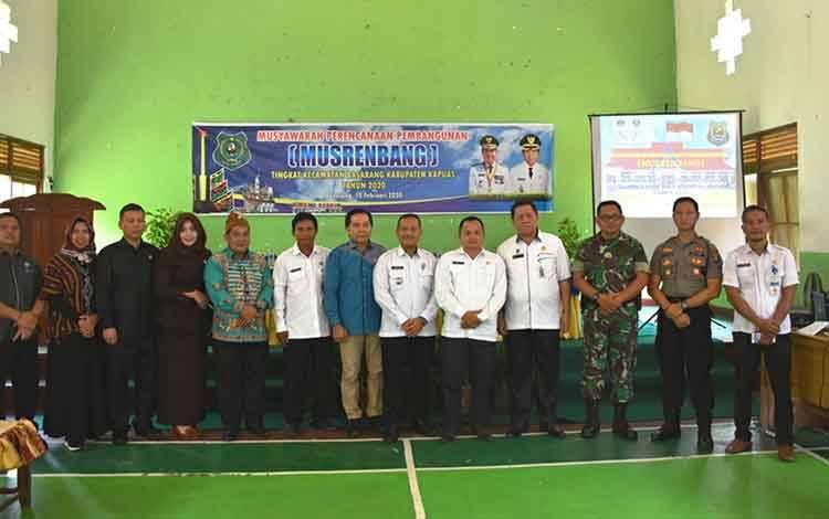 Anggota DPRD Kapuas menghadiri Musrenbang Kecamatan Basarang, Rabu 12 Februari 2020