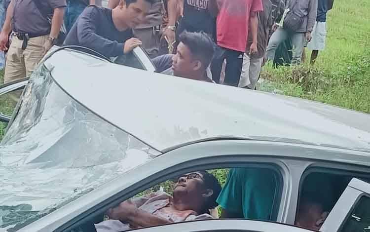 Kecelakaan beruntun di Jalan Jendral Sudirman Km 38, Kotim, Jumat, 14 Februari 2020.