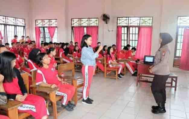 Sosialisasi Bijak Bermedia Sosial di SMA Nusantara Palangka Raya yang dilaksanakan Bidhumas Polda Kalteng, Sabtu, 15 Februari 2020.