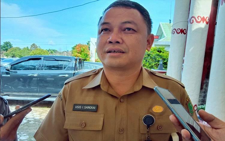 Kepala DPUPR Kabupaten Pulang Pisau, Usis I Sangkai, Minggu, 16 Febuari 2020, menyampaikan bahwa tahun ini untuk wilayah Kecamatan Kahayan Kuala dianggarkan dana sebesar Rp 12 miliar untuk peningkatan dan pembangunan infrastruktur jalan dan jembatan.