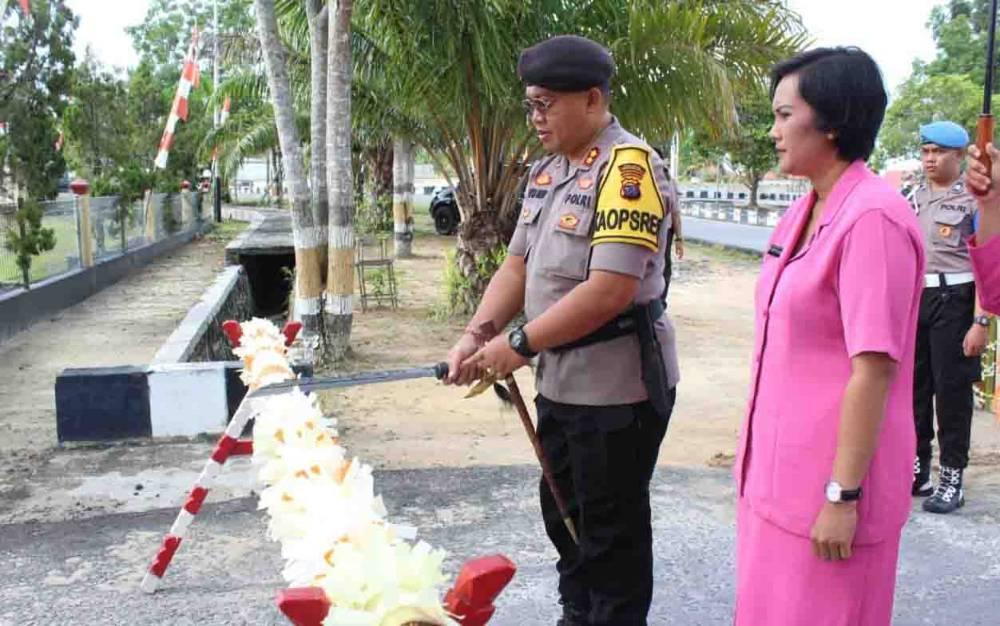 Penyambutan kedatangan Kapolres Sukamara yang baru AKBP I Gede Putu Dedy Ujiana, Senin, 17 Februari 2020.