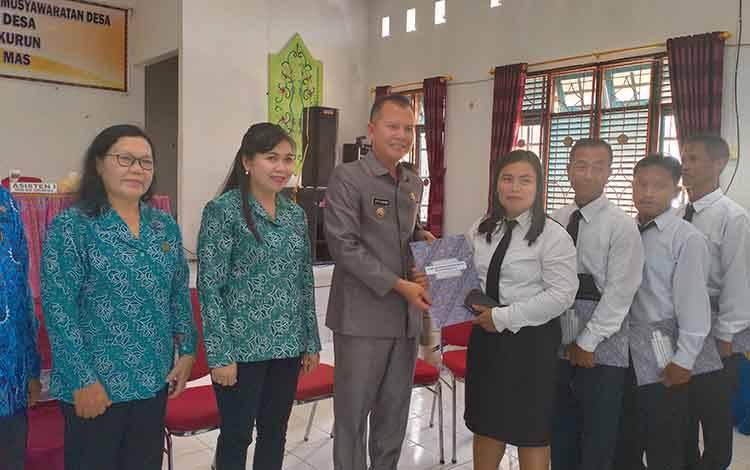 Bupati Gunung Mas, Jaya S Monong meminta seluruh pemerintah desa segara mengajukan DD dan ADD tahap I pada Maret 2020