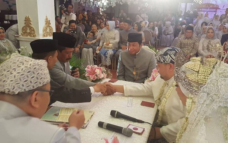 Jemmy Adriyanor dan Nicky Pitaloka melangsungkan akad nikah di Hotel Aston Sentul Bogor, 8 Februari 2020