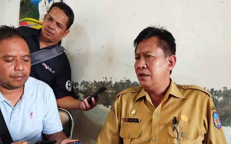 Kepala DPMD Murung Raya Sarwo Mintarjo saat menjelasakan pemanfaatan BUMDes, Rabu 19 Februari 2020