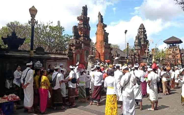 Umat Hindu Palangka Raya menyambut Hari Raya Kuningan dan Galungan
