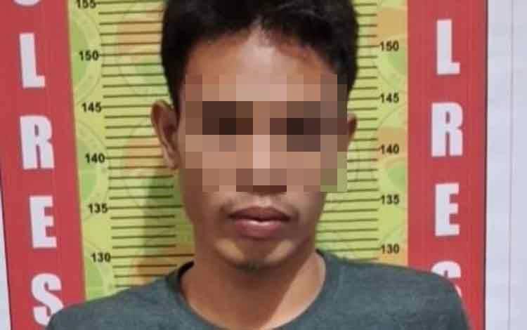 Pelaku yang merupakan seorang pedagang jam tangan nyambi jualan sabu di Pasar Alun-alun Jorih Jerah Kota Puruk Cahu, Rabu, 19 Februari 2020