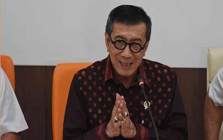 Menteri Hukum dan HAM Yasonna H Laoly memberikan keterangan soal pernyataannya yang dianggap menyinggung warga Tanjung Priok di Kantor Kemenkumham, Jakarta, Rabu, 22 Januari 2020. Menkumham Yasonna menyampaikan permohonan maaf atas perkataannya yang menyinggung warga Tanjung Priok