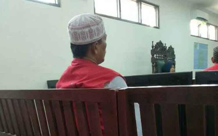 Arba'e terdakwa kasus illegal loging.