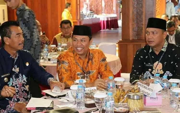 Bupati Lamandau H Hendra Lesmana saat mengikuti kegiatan Musrenbang Regional Kalimantan tahun 2020 di Pendopo Gubernur Kalimantan Barat.