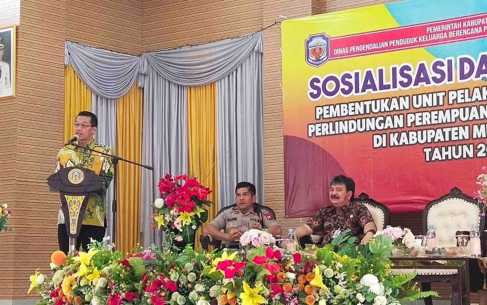 Bupati Murung Raya, Perdie M Yoseph saat sosialisasi dan advokasi pembentukan UPT PPA, Kamis, 20 Februari 2020.