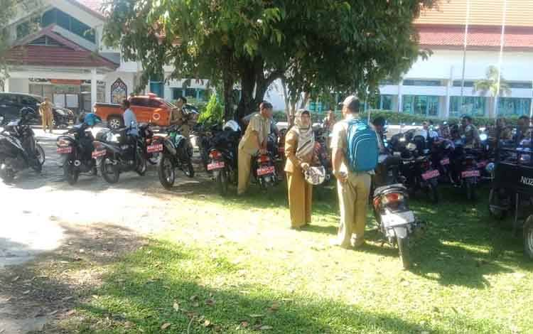 Suasana saat peserta mengikuti SKD CPNS Kabupaten Kapuas, belum lama ini. Hasilnya masih tunggu rekonsiliasi data BKN Pusat.
