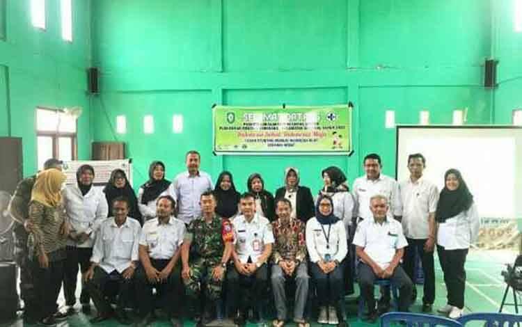 Anggota DPRD Kotim Handoyo J Wibowo saat reses di Kecamatan Seranau.
