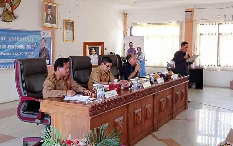Rapat Koordinasi Sensus Penduduk 2020 Kabupaten Barito Timur di Ruang Rapat Bupati, Senin, 24 Februari 2020.