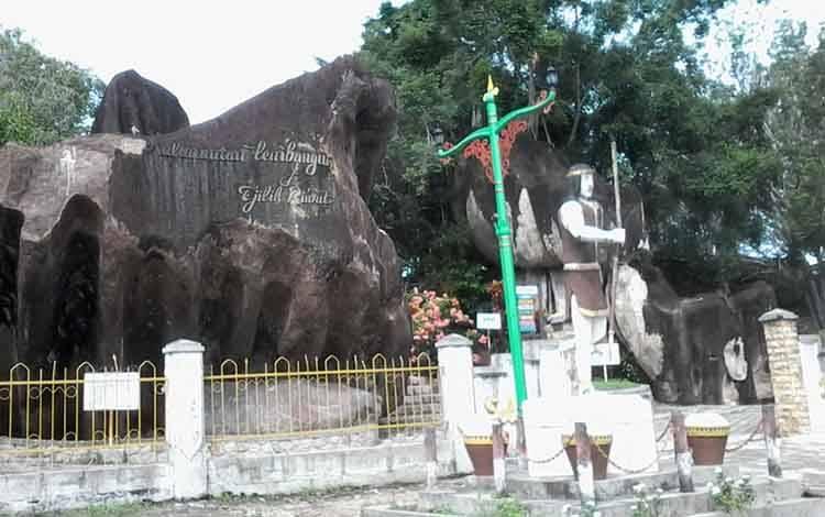 Obyek wisata Bukit Batu Katingan ini menjadi andalan sumber PAD bagi kabupaten hasil pemekaran dari Kotim ini.