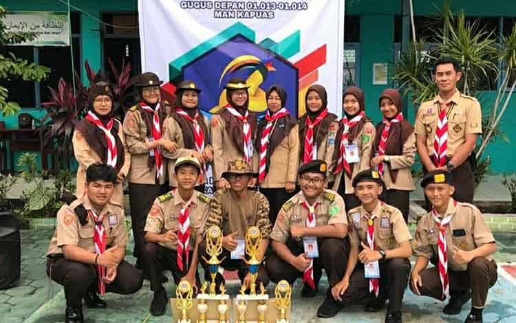 Regu Pramuka MAN Kapuas yang berhasil meraih juara pada ajang Gelar Kreatifitas Pramuka tingkat kabupaten.