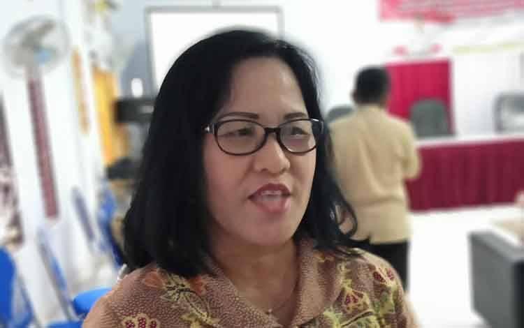 Anggota DPRD Barito Timur, Adolina Sendol