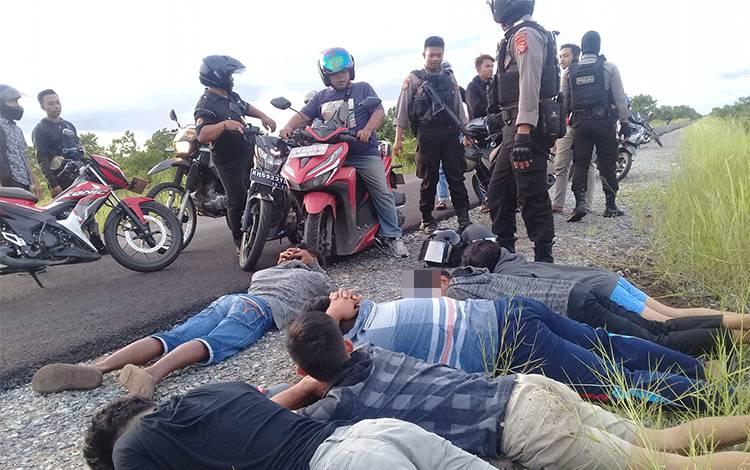 Sejumlah pembalap liar rata-rata remaja diamankan polisi, Kamis, 27 Februari 2020 sore.