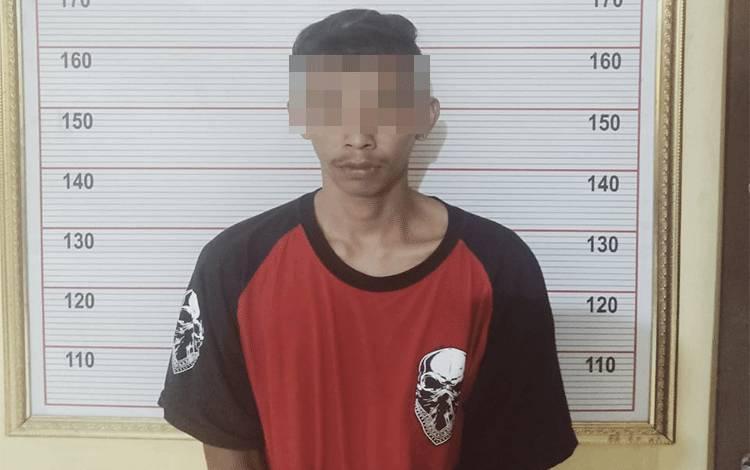 Pemuda berinisial AA (22) diamankan Polres Kobar.