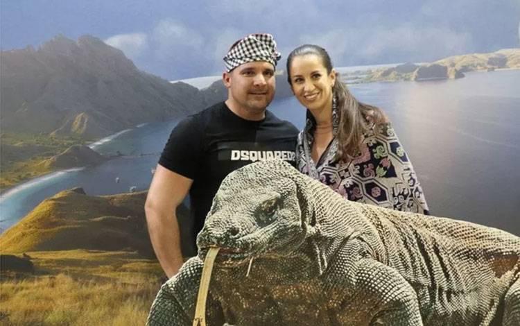Komodo seukuran aslinya berhasil menarik perhatian pengunjung Pameran Wisata International Utazas 2020 di Budapest. ANTARA/HO-KBRI Budaphest