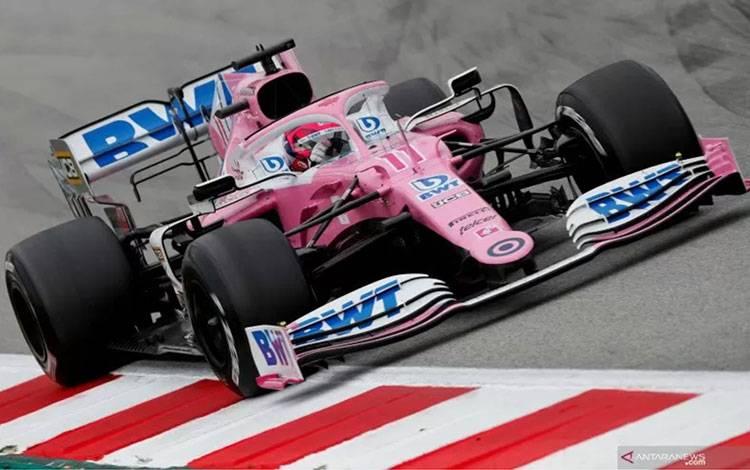 Pebalap tim Racing Point Sergio Perez menjalani tes pramusim Formula 1 di Sirkuit Barcelona-Catalunya, Jumat (28/2/2020). ANTARA/Reuters/Albert Gea