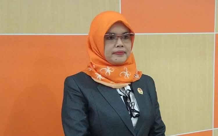 Ketua KPU Kota Palangka Raya Ngismatul Choiriyah dalam acara pelantikan anggota PPK