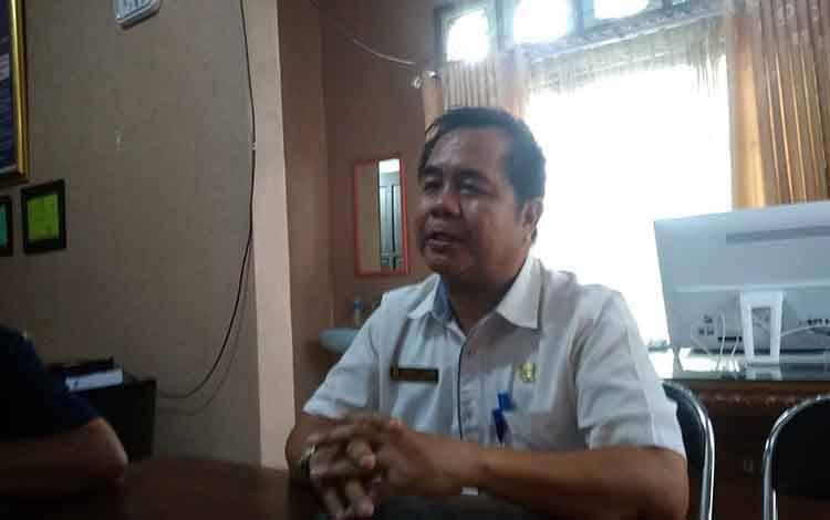 Plt Kepala DLH Kabupaten Barito Timur, Lurikto