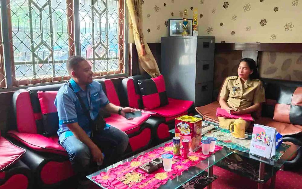 Kabid Perdagangan Disperindagkop dan UKM Murung Raya, Baidseda memberikan keterangan.