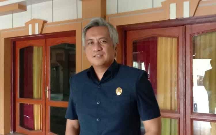 Anggota DPRD Kobar Erry Eryansyah berharap, ada penambahan tenaga dokter untuk wilayah pedalaman.