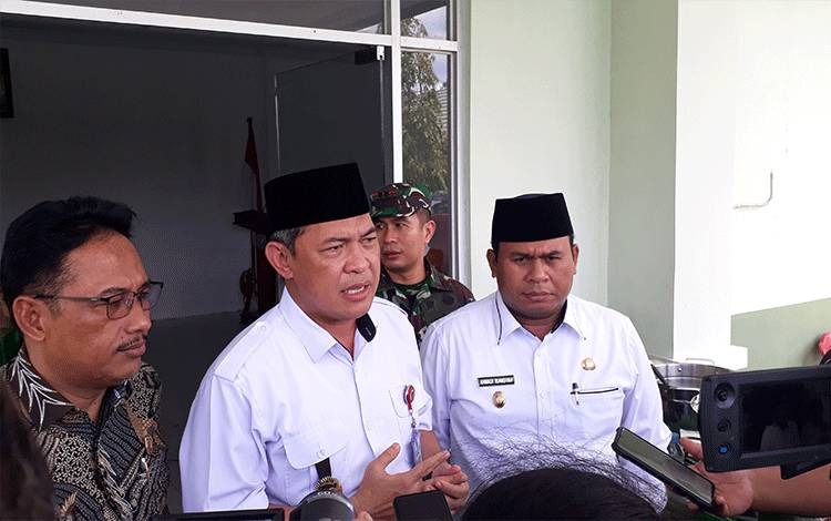 Sekda Kalteng Fahrizal Fitri, Rabu, 11 Maret 2020 menyampaikan, setelah Wapres RI KH Maruf Amin, Presiden RI Joko Widodo (Jokowi) juga akan berkunjung ke Kabupaten Kobar.