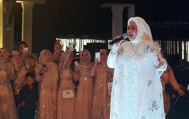 Ikke Nurjanah meriahkan pernikahan Jemmy - Nicky, Sabtu, 21 Maret 2020.