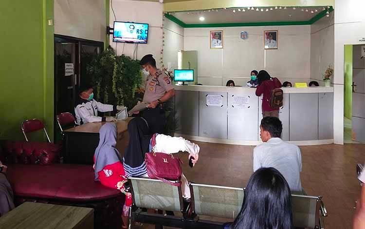 Aktivitas pelayanan masyarakat pada salah dinas di Kabupaten Murung Raya.