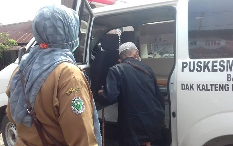 Seorang pasien dalam pengawasan yang sebelumnya dikabarkan lari dari Doris Silvanus ke Kereng Pangi sore ini dikembalikan lagi ke Palangka Raya.