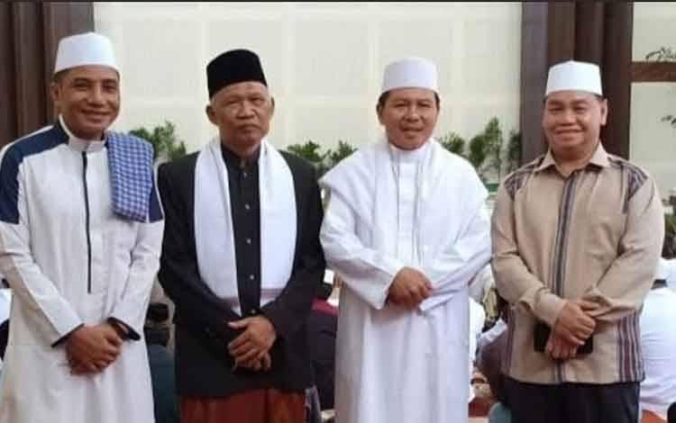 Kepala Kemenag Kotim Syamsudin bersama Ketua MUI Amrullah Hadi, Bupati Kotim Supian Hadi, dan Sekda Halikinnor. Sementara, hingga hari ini salat Jumat tetap dilaksanakan seperti biasa, Jumat, 27 Maret 2020.