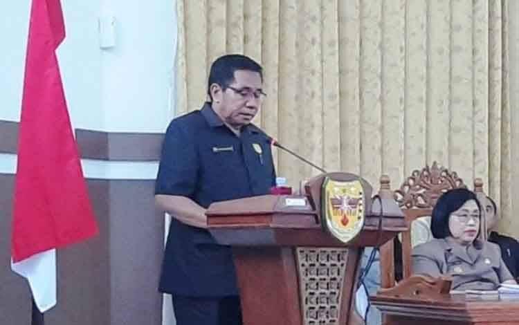 Ketua DPRD Gunung Mas Akerman Sahidar