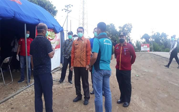 Kepala Dinas Kesehatan Kabupaten Murung Raya dr Suria Siri menyampaikan perkembangan PDP dengan Bupati Perdie M. Yoseph