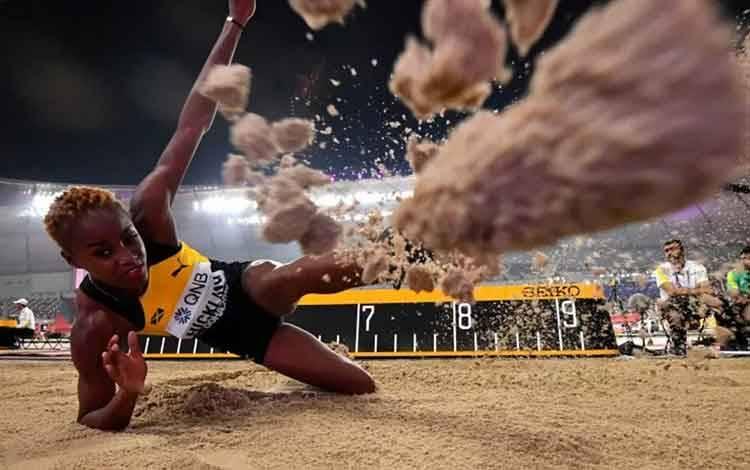 Atlet lompat jauh Jamaika Tissanna Hickling beraksi saat kejuaraan dunia atletik 2019 di Doha, Qatar, 5 Oktober 2019. ANTARA FOTO/REUTERS/Dylan Martinez/pras.