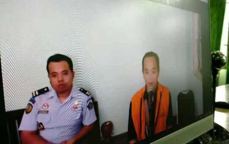 Sidang kasus togel terdakwa Hendro alias Dondo (rompi orange)