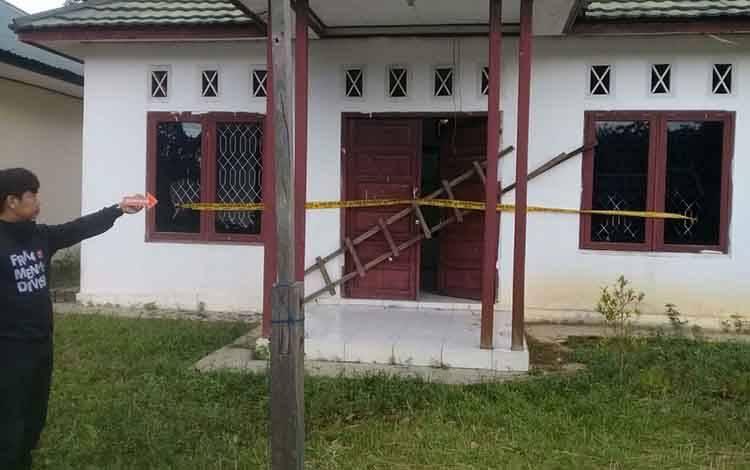 Kondisi kantor BPD Desa Batu Tunggal, kecamatan Bulik Timur yang diduga dirusak  kades dan tiga orang kawannya.