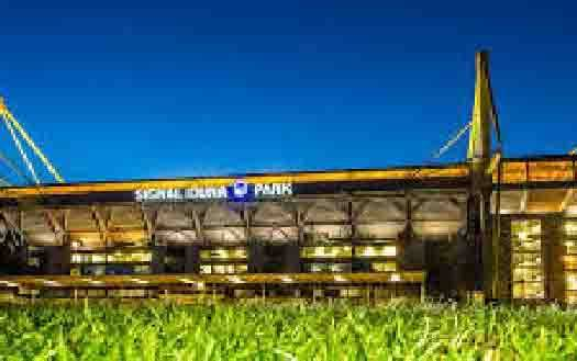 Stadion Signal Iduna Park milik Borussia Dortmund. (foto : via teras.id)