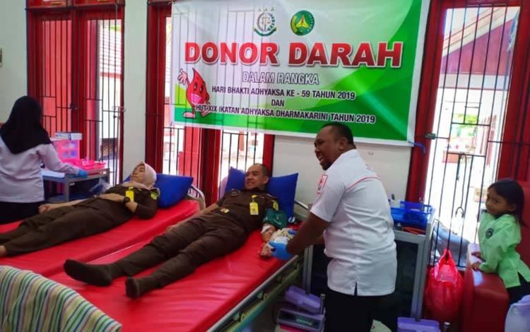 Aksi donor darah di PMI Kotim, beberapa waktu lalu.
