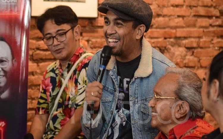 (kiri ke kanan) Glenn Fredly memberikan keterangan saat menghadiri konferensi pers perayaaan 80th Celebration Bob Tutupoly di kawasan M Bloc, Jakarta, 25 November 2019. Konser itu akan digelar pada 29 November 2019 di The Palas, SCBD, Jakarta. TEMPO/Nurdiansah